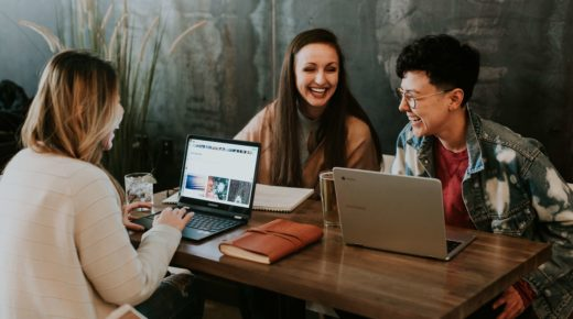 Working out loud: Wie der offene Austausch Ihre Arbeit beflügelt